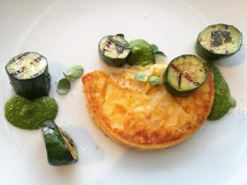 Caciocavallo Silano Dop arrostito, zucchine conciate e pesto di basilico