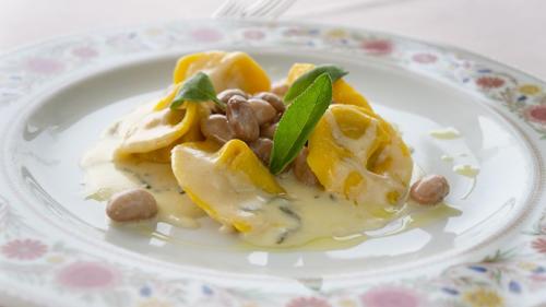 Tortelloni ai fagioli di Lamon,fonduta di Monte Veronese e salvia